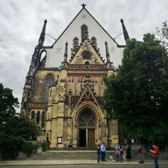 This is St. Thomas Church in Leipzig Germany. It was here that Johann Sebastian Bach was kappellmaster here for most of his career and where his grave is. Martin Luther also preached here during the Reformation and both Mendelssohn and Mozart played here. #reformation500tour #leipzig #musichistory #reformation #reformationhistory #luther #bach #johannsebastianbach