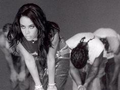 aaliyah dancing |  der 2001 verunglückten Aaliyah. Timbaland arbeitete mit Aaliyah ...