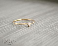 14kt geelgouden ring met diamant trouwring door GoudsmederijHerfst, €260.00