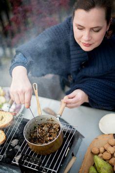 On Fire-herfst bbq foto: Saskia Lelieveld Bbq, Charlotte, Pudding, Desserts, Barbecue, Tailgate Desserts, Deserts, Barrel Smoker, Custard Pudding