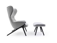 A thing of beauty ... this chair makes my heart sing! patrick-norguet-reinterpreta-as-formas-classinas-na-poltrona-p22-para-a-cassina-a-peca-pode-ou-nao-vir-acompanhada-de-pufe-1365871324618_842x632