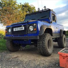 Smashing Defender From @jordanhall97 .. If You Want Your LandRover Featured Please Send Me A Message #LandRover #LandRoverOffRoad  #LandRoverDefender #LandRoverDiscovery #LandRoverFreelander #LandRoverSeries  #Defender90 #Defender110 #DefenderTd5 #Discovery1 #Discovery2 #Discovery3 #DiscoveryTd5 #Series1 #Series2  #FreeLander #300Tdi #200Tdi #Td5 #OffRoad #4x4 #RangeRover #RangeRoverClassic by landrover24_7 Smashing Defender From @jordanhall97 .. If You Want Your LandRover Featured Please…