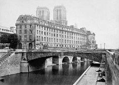 Hôtel-Dieu, Paris, France (The Nightingale by Kristin Hannah)