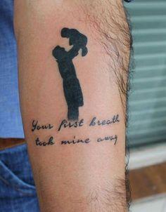 """55 tatuagens da família reconfortantes para sua inspiração ✧✧✧  #familiar #ideias #tatuagem ✧✧✧ Como disse com razão, """"o amor da família é a maior bênção da vida"""". Algumas pessoas expressam sua motivação em relação à sua família, enquanto outras representam o mesmo ao esculpir uma tatuagem familiar em seu corpo. Com a arte da tatuagem carregando importância na..."""