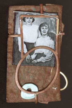 MICHELE WYCKOFF SMITH - UK: The back of a Mourning Brooch for twins #twins #backfothebrooch #brooch #collage Jewelry Clasps, Enamel Jewelry, Jewelry Art, Jewelry Design, Locket Design, Mourning Jewelry, Quirky Fashion, Halloween Jewelry, Memento Mori