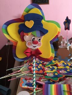 Payasito en estrella Clown Crafts, Carnival Crafts, Carnival Themes, Party Themes, Birthday Party For Teens, Carnival Birthday Parties, Circus Birthday, Baby Birthday, Foam Crafts
