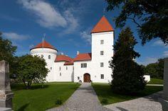 Häät prinsessalinnassa. Se onnistuu Koluveren linnassa Virossa Via Häät.fi
