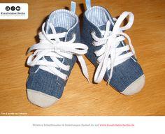 Schnürschuhe für Babies, zum Schnittmuster: http://www.kreativlaborberlin.de/mein-buch-babyschuehchen-naehen/