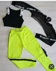 Neon Outfits, Cute Lazy Outfits, Swag Outfits For Girls, Crop Top Outfits, Girls Fashion Clothes, Sporty Outfits, Teen Fashion Outfits, Retro Outfits, Stylish Outfits