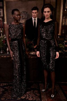 Attend your next black tie event in a perfect paradox of classic and innovative design. Full Length Gowns, Floor Length Gown, Sequin Cocktail Dress, Sequin Gown, Fashion News, Fashion Beauty, Fashion Show, Women's Fashion, Badgley Mischka