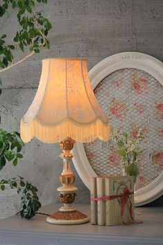 800 Flowers, Lamp Shades, Vintage Decor, Furniture Decor, Light Up, Sconces, Sweet Home, Shabby Chic, Antiques