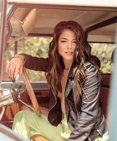 hello hollywood Marie Avgeropoulos Hot, Human Target, Avatar, Netflix, Canadian Actresses, Celebs, Celebrities, Artemis, Fashion Stylist