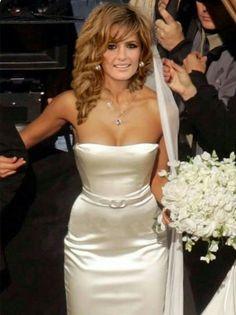 Stana Katic's TV Wedding to Castle Satin Dresses, Strapless Dress Formal, Most Beautiful Women, Beautiful People, Stana Katic Hot, Kate Beckett, Star Wars, Celebs, Celebrities