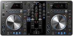 """Pioneer presentó su nuevo producto para DJs, la nueva mezcladora XDJ-R1. Este nuevo dispositivo """"todo en uno"""". Ideal para conectarlo con tu iPad o iPhone. http://www.linio.com.mx/pioneer/"""