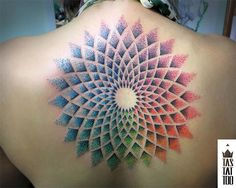 11 tatuadores brasileiros experts em pontilhismo - Rodrigo Tas. #tattoofriday #tattoo #tatuagem #pontilhismo #dotwork