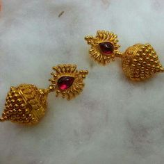 🌹bugadi earrings inspo🌹 😍looking for this type of traditional earring ✔️Traditional vintage earring - queen_of_lambadi Gold Jhumka Earrings, Gold Earrings Designs, Gold Jewellery Design, Necklace Designs, India Jewelry, Temple Jewellery, Gold Jewelry Simple, Jewelry Patterns, Wedding Jewelry