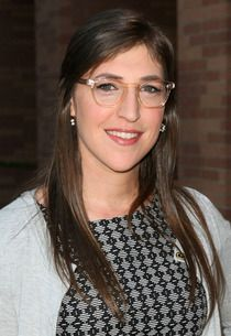 Mayim Bialik Finalizes Divorce from Husband of Nine Years