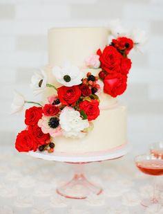 Sugar Flower Cake Shop fresh flowers and berries wedding cake