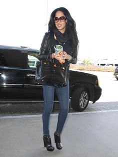 Kimora Lee Simmons Photo - Kimora Lee Simmons Catches A Flight Out Of LAX
