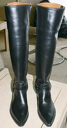 This web site is for the man who loves BOOTS .the man who enjoys wearing them for work and for play, and who likes to look at them and talk about them, too. Mens Heeled Boots, Mens High Boots, High Heel Cowboy Boots, Sexy Boots, Tall Boots, Black Boots, Leather Boots, Biker Leather, Mens Boots Fashion