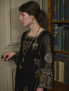 Christina Carty as Virginia Woolf in Downton Abbey (TV Series, 2013)