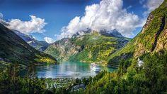 Fiordos noruegos · National Geographic en español. · Rutas y escapadas