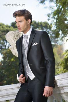 Exclusivo traje de novio de Enzo Romano. Descubre toda nuestra colección en http://www.enzoromano.com/ceremonia-2016/