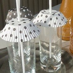 You can use cupcake papers to help keep the bugs away from  your wine cocktails at your next garden party! #DIY #GardenParty #EdnaValley