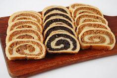 Most karácsonykor kipróbáltam egy másik bejglireceptet, nem a megszokottat sütöttem. Ez Andi 1976 receptje, tökéletes é... Stevia, Bread, Cookies, Desserts, Recipes, Advent, Dios, Crack Crackers, Tailgate Desserts