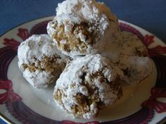 Coffee-Kahlua Balls - I use Nabisco Famous Chocolate Wafers instead. My balls are amazing. Nabisco Famous Chocolate Wafers, Chocolate Pastry, Divine Chocolate, Delicious Cookie Recipes, Yummy Cookies, Yummy Food, Dessert Dips, Dessert Recipes, Cake Truffles