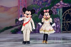 wanna make it a last minute surprise what about going to the Disney store and get something like a costume and show it your child as a Clue when they get home from school about Going to Disney on ice