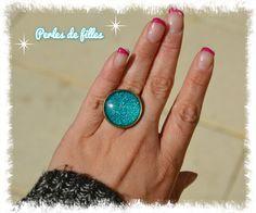 Bague réglable bronze cabochon en verre bombé paillettes turquoise : Bague par perles-de-filles