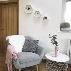 Small Space Living Room, Decor Home Living Room, Small Apartment Living, Teen Room Decor, Living Room Grey, Living Room Modern, Home Office Decor, Gray Room Decor, Room Decor Bedroom