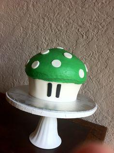 Super Mario Smash 1up green mushroom cake