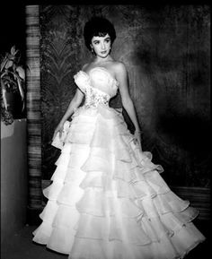 Elizabeth Taylor!  Beautiful!!!