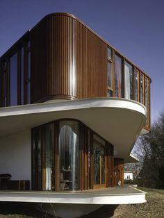 The Retro Futuristic House Design