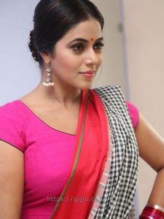 Actress Poorna Shamna Kasim hot Photos - Shamna Kasim hot Boobs Images in Pink Chudi