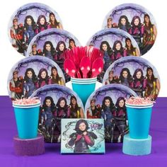 Transform your daughter's themed party into an elegant coronation ball, just like the one that's thrown for Ben, by setting the table with the Descendants Deluxe Kit. Included is a basic tableware set
