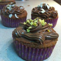 Cupcake de chocolate con frosting de nocilla