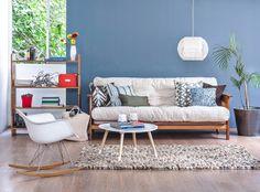 Madera natural y blanco, la combinación ideal para tus espacios de estar,