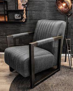 U koopt fauteuil Dertig op HUUS. Home Furniture, Furniture Design, Brown Interior, Cool Chairs, Living Room Decor, Armchair, Sweet Home, Decoration, Interior Design