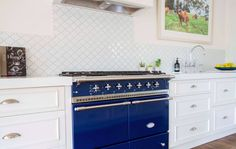Blue Lacanche Cluny in gorgeous Melbourne kitchen_1