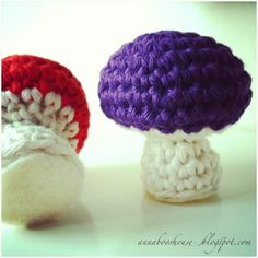 Because there wasn't mushroom  !! Oh dear. So sorry, but couldn't resist. *ahem* Moving on.... Who wants to make a toadstool? You do? Yay! I...
