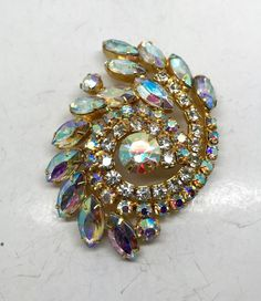 Vintage Large Rhinestone Brooch- Delizza & Elster, See last picture for size and back of pin, each block is 1 inch square on the grid Vintage Costume Jewelry, Vintage Costumes, Vintage Jewelry, Antique Jewelry, Rhinestone Jewelry, Diy Jewelry, Jewelery, Jewelry Accessories, Real Costumes