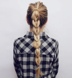 Here is a little hair tutorial I made for you guys! I love this hairstyle & it looks impossible but it's actually super simple! xoxo Top – Windsor Store FINISHED LOOK PULL THROUGHT BRAID …