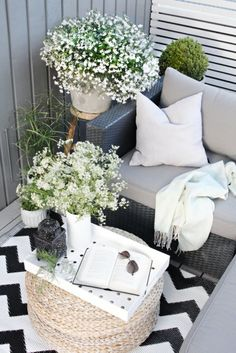 28 Small Balcony Design Ideas Small spaces can be fabulous as youll see in these tiny balcony garden spots with moods that range from city sophistication to pure Zen. The post 28 Small Balcony Design Ideas appeared first on Garden Diy. Outdoor Furniture Sets, Decor, Small Balcony Furniture, Small Balcony Design, Outdoor Decor, Home, Outdoor Space, Patio Decor, Outdoor Furniture
