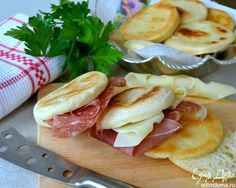 Доброе утро!  Тиджелле - пышки по-итальянски. Вкусный и оригинальный завтрак по-итальянски. Отличного вам дня! #edimdoma #recipe #cookery #morning #breakfast