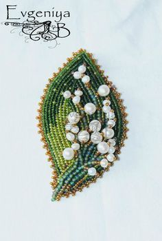 Ideas For Crochet Bracelet Flower Seed Beads Beads Jewelry, Bead Embroidery Jewelry, Beaded Embroidery, Jewellery, Seed Bead Art, Seed Beads, Bead Crafts, Jewelry Crafts, Lesage