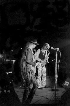 Johnny and Edgar Winter, Apr 1970