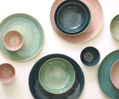Steinzeug Teller Set grün blau rosa. Keramik von GeschirrManufaktur